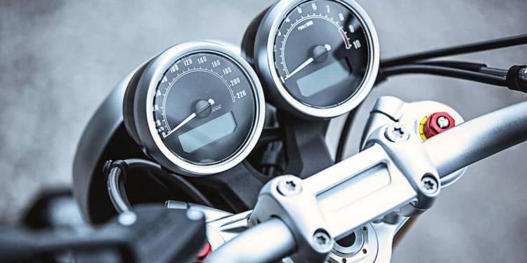 Tacho eines Motorrads