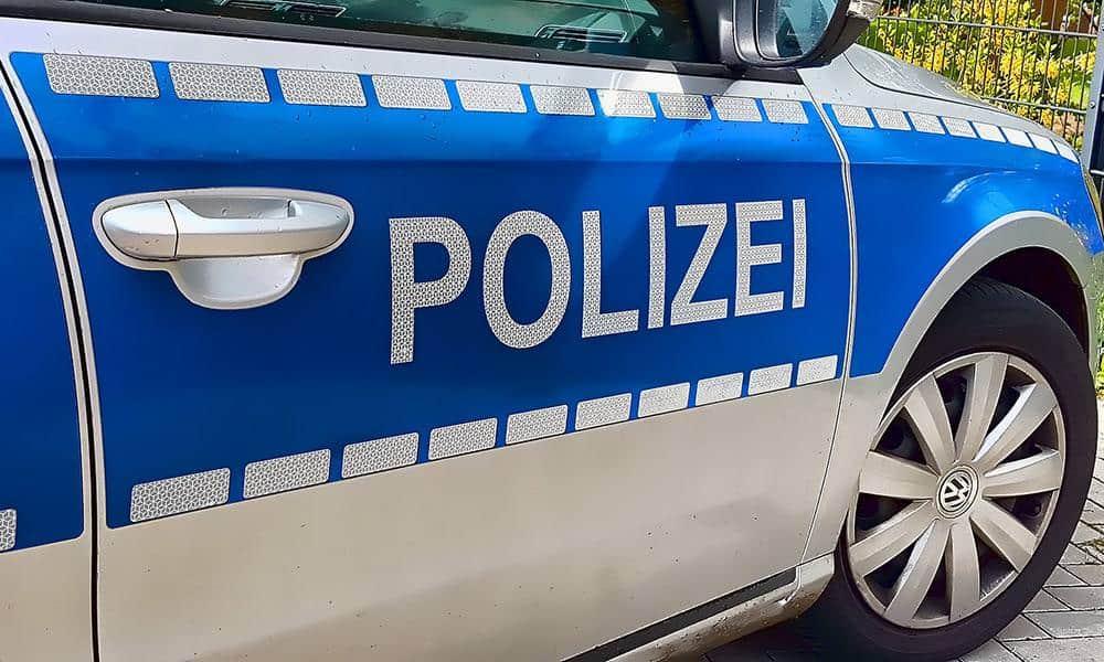Seite eines Polizeiautos