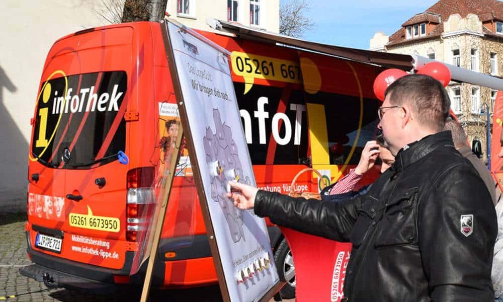 Infomobil der Verkehrsgesellschaft Lippe