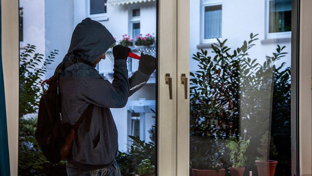 Einbruch durchs Fenster - © Polizei