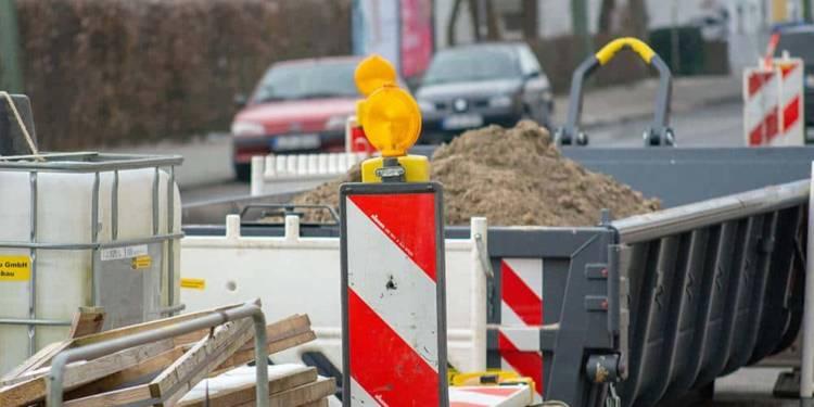 Baustelle und Verkehrsbehinderung