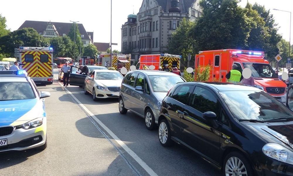 An dem Auffahrunfall am Wesertor waren vier Pkw beteiligt. - © Polizei Minden