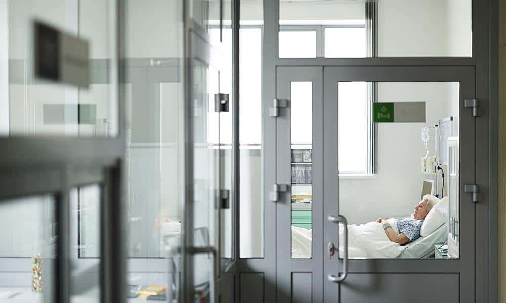 Seniorin, Krankenhaus - © Envato Elements