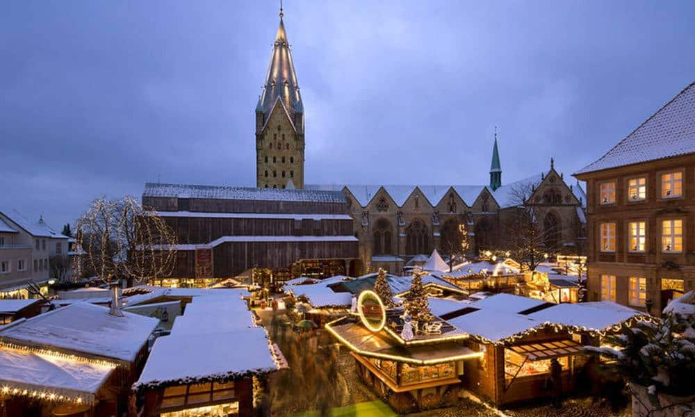 Weihnachtsmarkt am Paderborner Dom