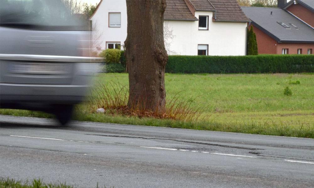 Straße mit offensichtlichen Schäden