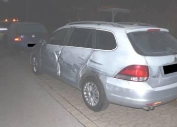 Die beiden Volkswagen wurden bei dem Unfall beschädigt - © Polizei Bad Oeynhausen