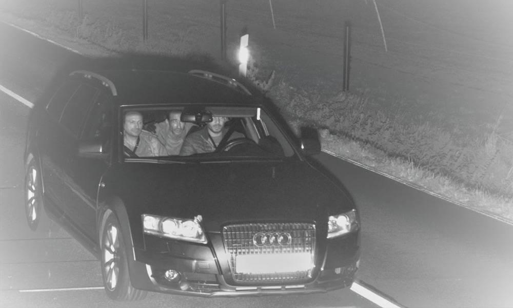 Wer erkennt diese Männer? - © Polizei Minden