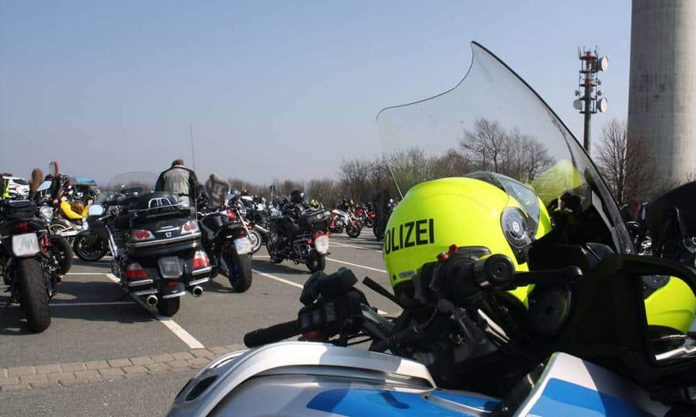 Polizeipräsenz auf dem Köterberg - © Polizei Lippe