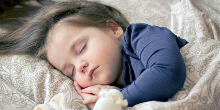 Mädchen, Schlafen