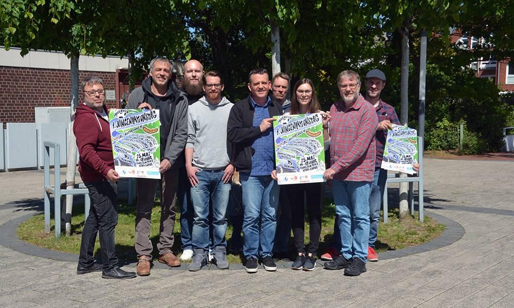 Die Veranstalter des Jugenaktionstags im Kreis Herford präsentieren gemeinsam das Programm