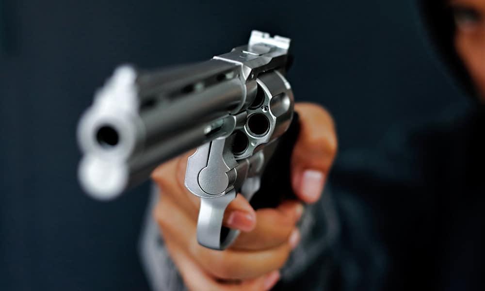 Überfall mit einer Pistole