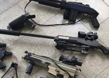 Plastik-Waffen