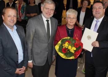 Verdienstmedaille Elisabeth Webel
