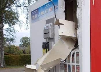 Zerstörter Zigarettenautomat