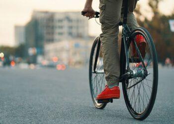 Mann, Fahrrad
