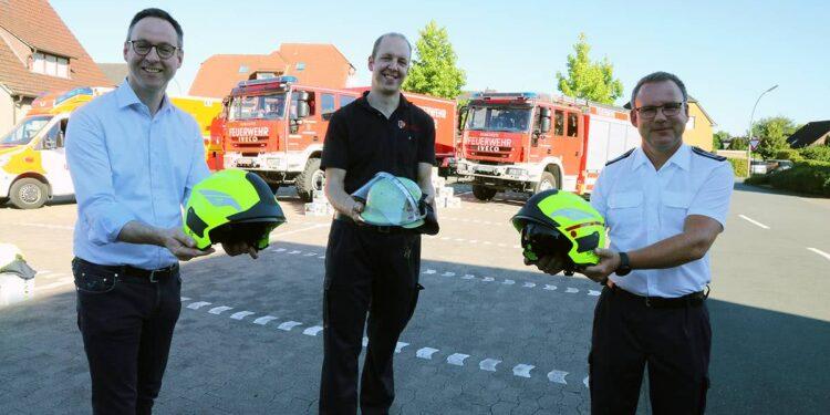 Neue Feuerwehrhelme